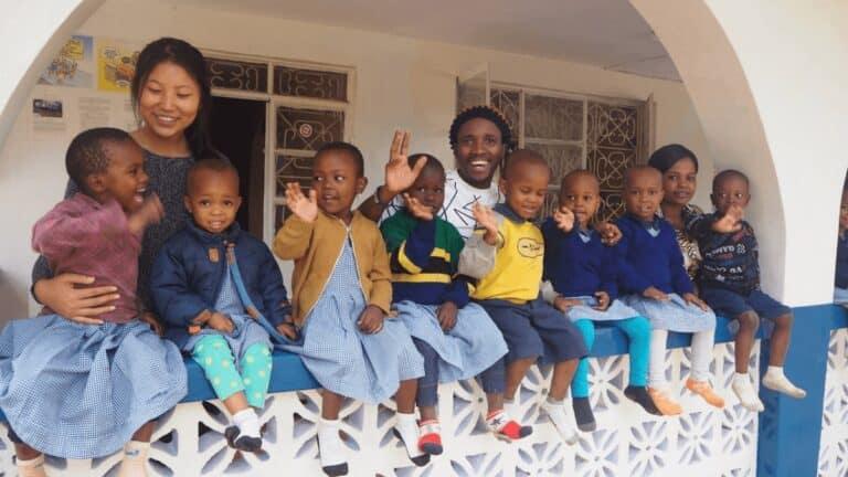Raccolta fondi solidale Kenya GivinAroundBooks: libri scolastici per le scuole